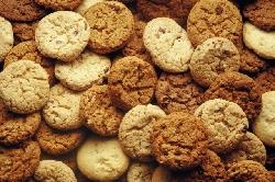 Чипсы, печенье и маслины содержат канцероген